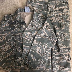 Boys size 4 Camouflage Jacket and Pants